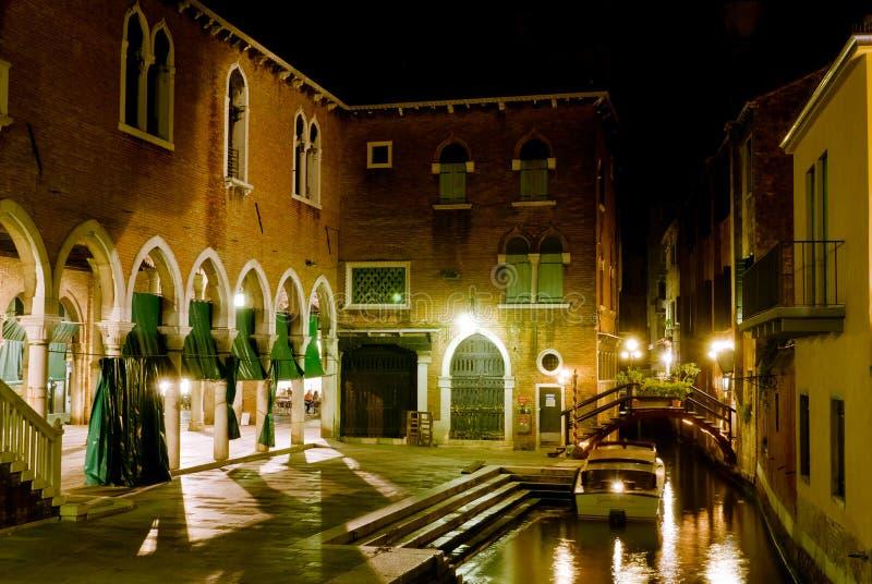 Venetië, nachtscène stock afbeeldingen