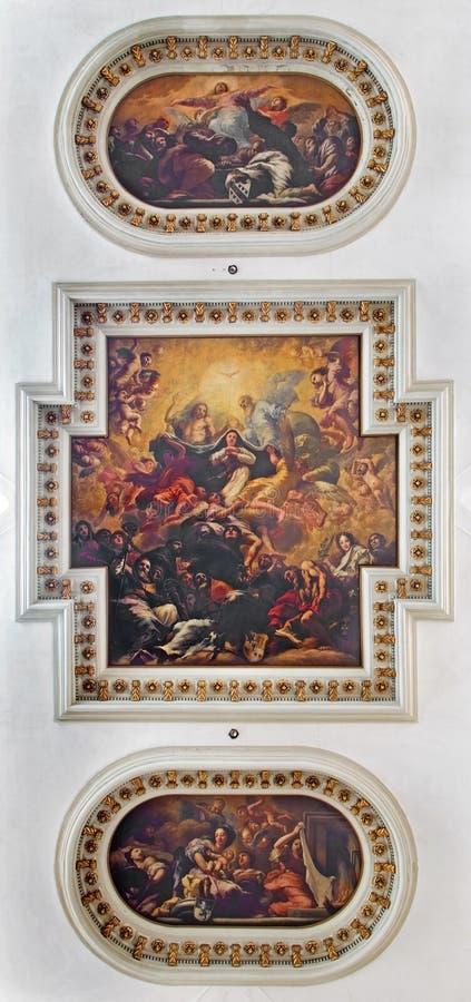 Venetië - Plafondfresko van Di Santa Maria del Giglio van kerkchiesa Kroning van Maagdelijke Mary als centrale beweging veroorzak royalty-vrije stock afbeeldingen