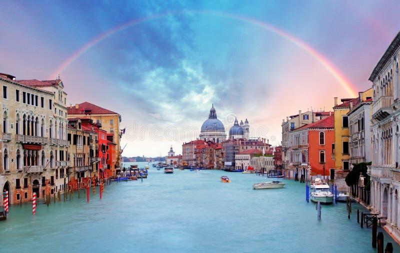 Venetië - Regenboog over Grand Canal stock afbeeldingen