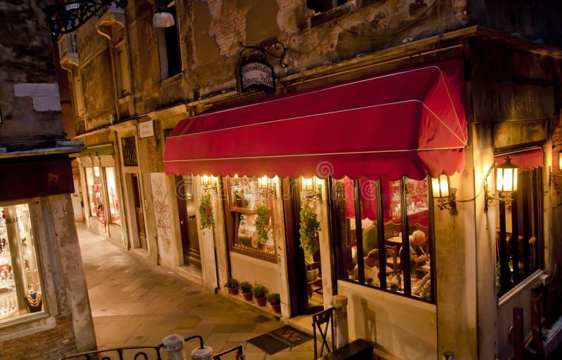 Venetië 's nachts in Italië stock foto