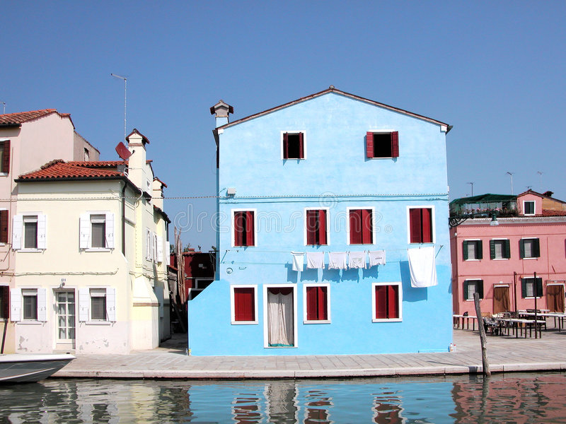 venetian blått hus royaltyfri bild