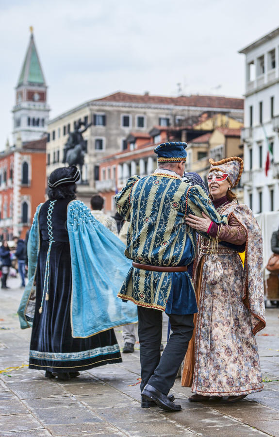 Download Venetian Couples Dancing editorial photo. Image of characters - 39015636