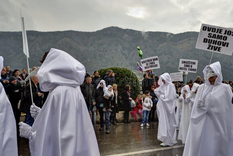 Venetian epidemimaskeringar i karneval royaltyfria bilder