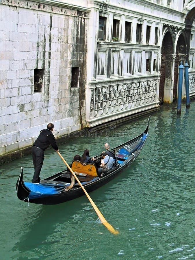 venetian gondol arkivfoton