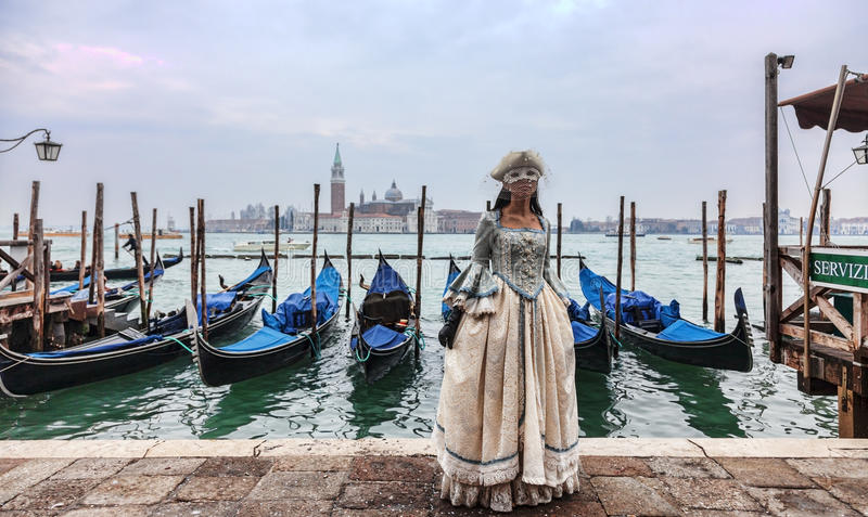 Download Venetian Lady Editorial Photo - Image: 29234326