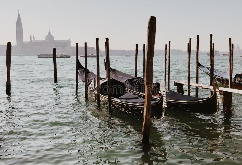 Venetianische Gondeln auf Grand Canal von Venedig, Italien stockfoto