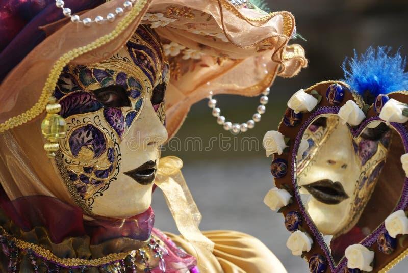 Venetianische Schablone mit Spiegel stockfotografie