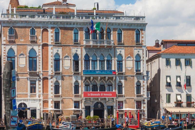 VENEZA, ITÁLIA - 15 DE JUNHO DE 2016: Construção do ` Giustinian-Morosini em Grand Canal, Veneza de Palazzo Ca, Itália foto de stock