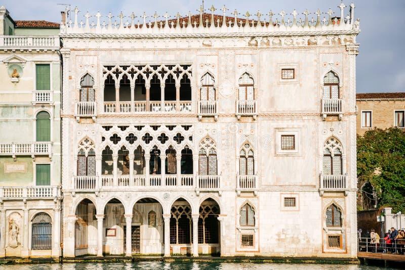 Veneza, Itália - fachada do palácio de Oro do ` do ` d do Ca imagens de stock