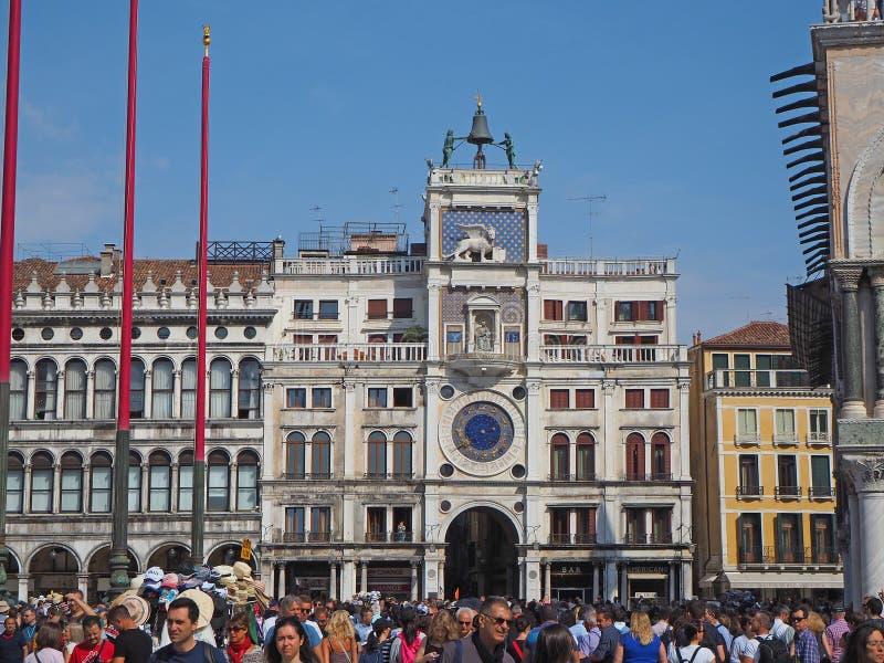 Veneza, Italy Paisagem de surpresa da torre de pulso de disparo do St Mark imagens de stock