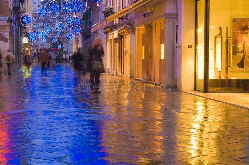 Veneza moderna na noite fotos de stock royalty free