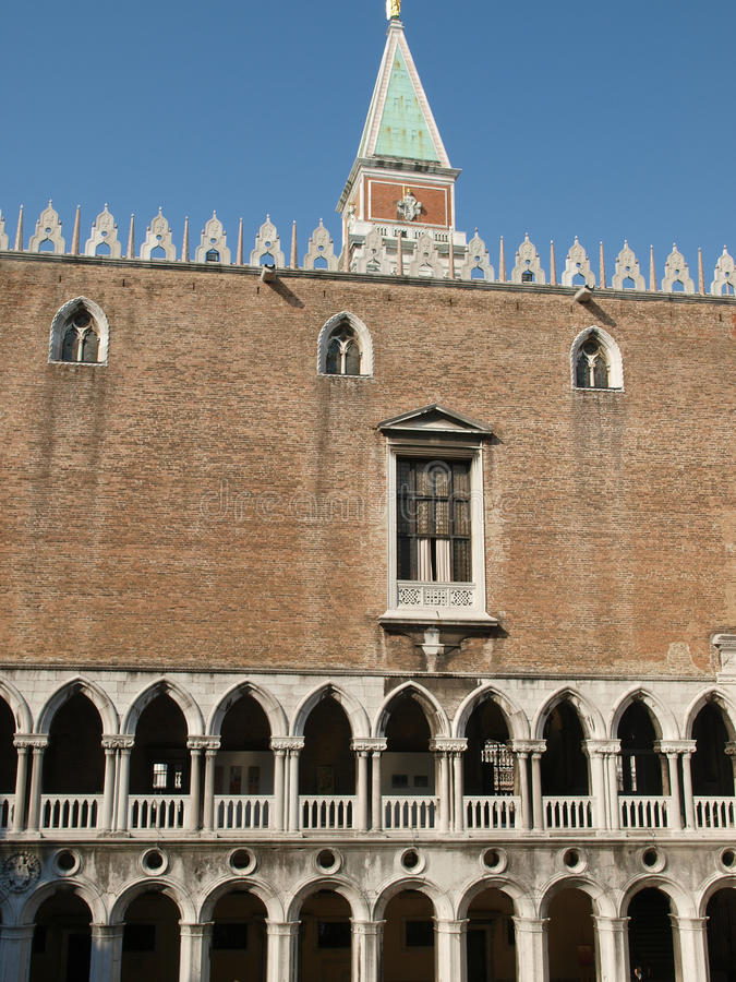 Download Veneza - Palazzo Ducale imagem de stock. Imagem de arcade - 12808477