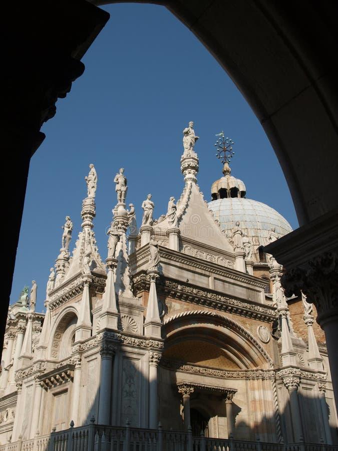 Download Veneza - Palazzo Ducale foto de stock. Imagem de porta - 12808516