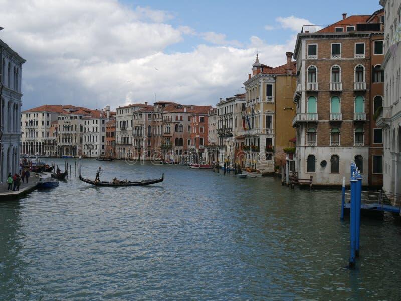 Veneza - panorama da ponte de Rialto imagem de stock royalty free
