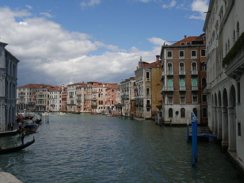 Veneza - panorama da ponte de Rialto imagens de stock