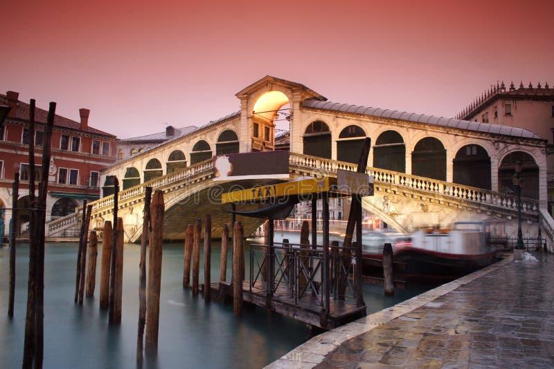 Veneza a ponte de Rialto foto de stock royalty free