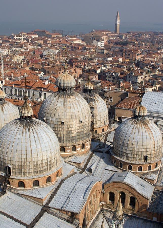 Venezia - cupole della cattedrale del contrassegno della st fotografia stock libera da diritti
