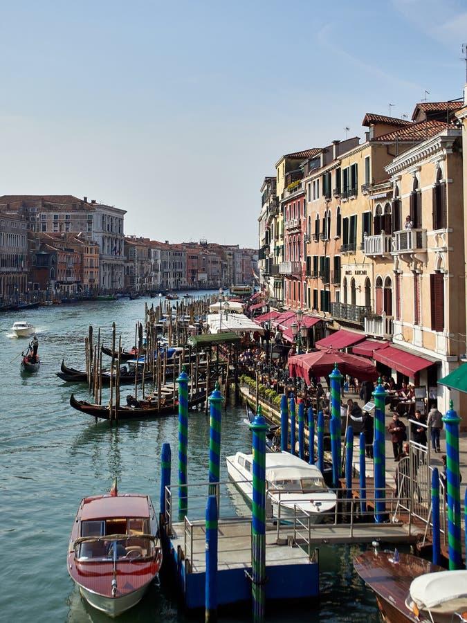Venezia, Italia - 1° marzo 2019 una vista di Grand Canal dal ponte di Rialto fotografie stock libere da diritti