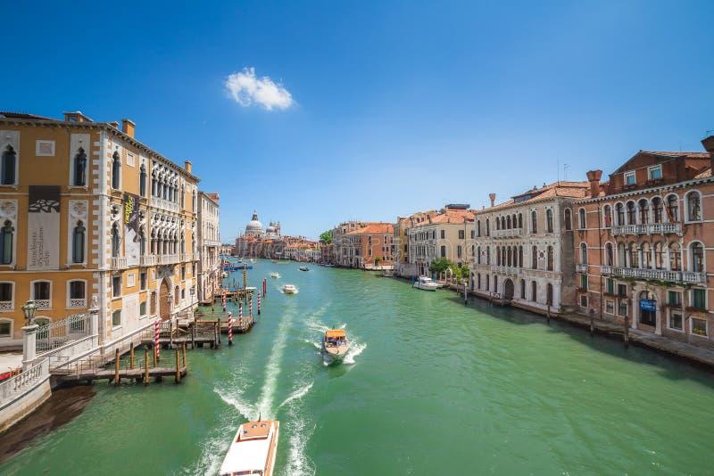 """VENEZIA, ITALIA - 15 GIUGNO 2016: Vista a Grand Canal dal dell """"Accademia, Venezia di Ponte immagine stock libera da diritti"""