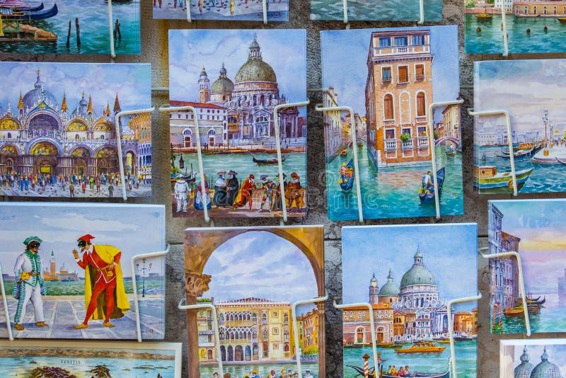 Venezia, Italia - 29 ottobre 2016: Cartoline Venezia immagine stock libera da diritti