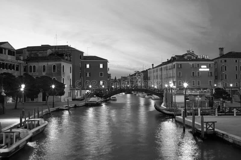 Venezia lång exponering vid natt arkivbild