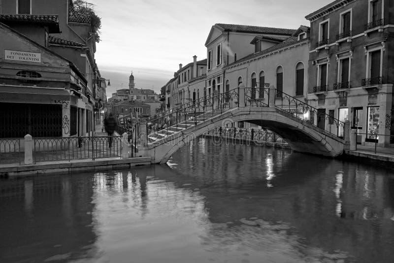 Venezia lång exponering vid natt royaltyfri fotografi