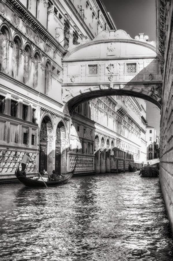 Venezia Ponte dei Sospiri fotografering för bildbyråer