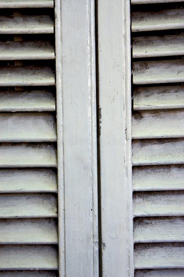 Veneziane di legno bianche immagine stock libera da diritti