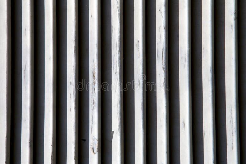Veneziane di legno di Varese Italia della finestra di Besnate dentro immagine stock libera da diritti