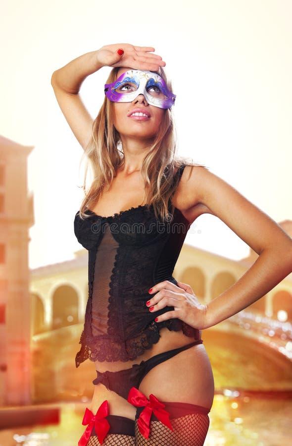 Veneziano sessuale in vestito da carnevale immagini stock libere da diritti