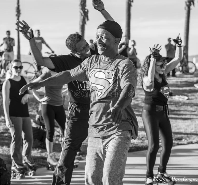 Venice Beach Boardwalk : Roller Dancers royalty free stock photography