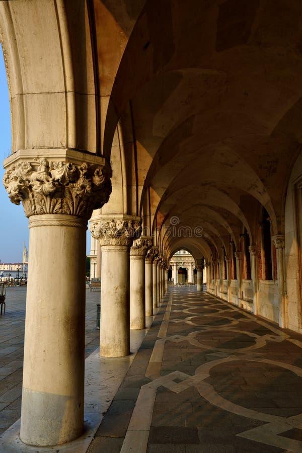 Download Venise image stock. Image du doge, horizontal, fléau - 45351261