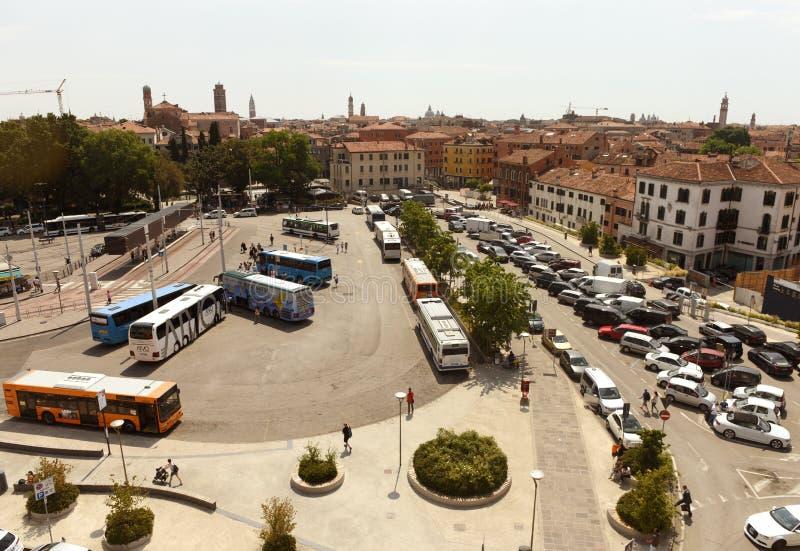 Venise, Italie - 7 juin 2017 : Transport chez le Piazzale Roma carré photographie stock