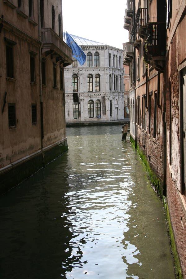 Venise, vue sur Grand Canal d'un petit canal photos stock