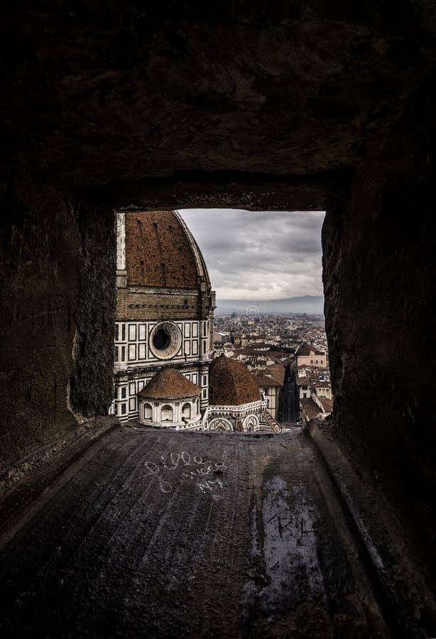 Venster aan Duomo van Florence royalty-vrije stock afbeeldingen