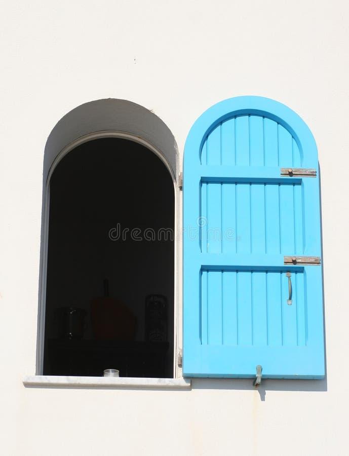 Venster in blauw royalty-vrije stock foto