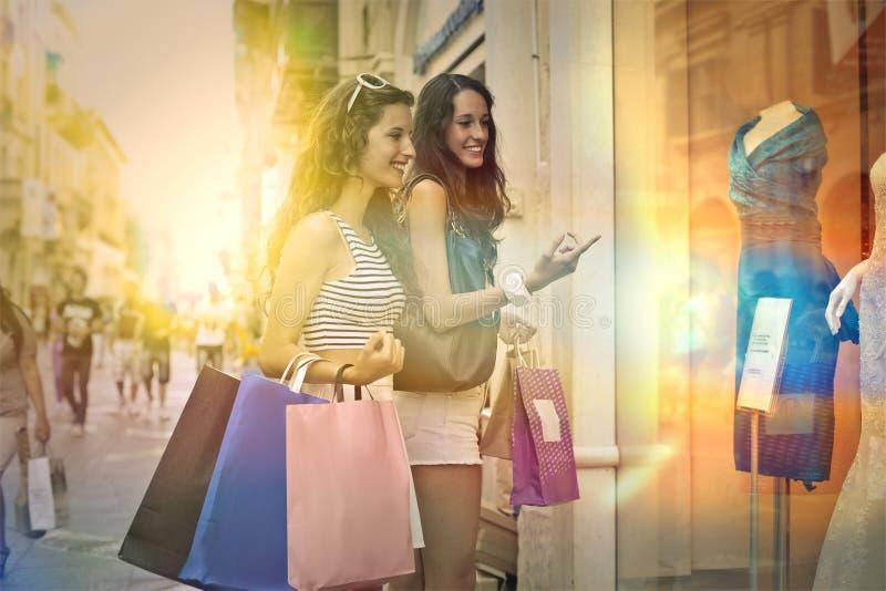 Venster het winkelen stock afbeeldingen