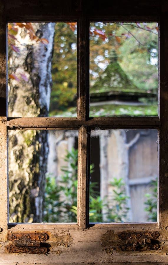 Venster, oud venster royalty-vrije stock afbeeldingen