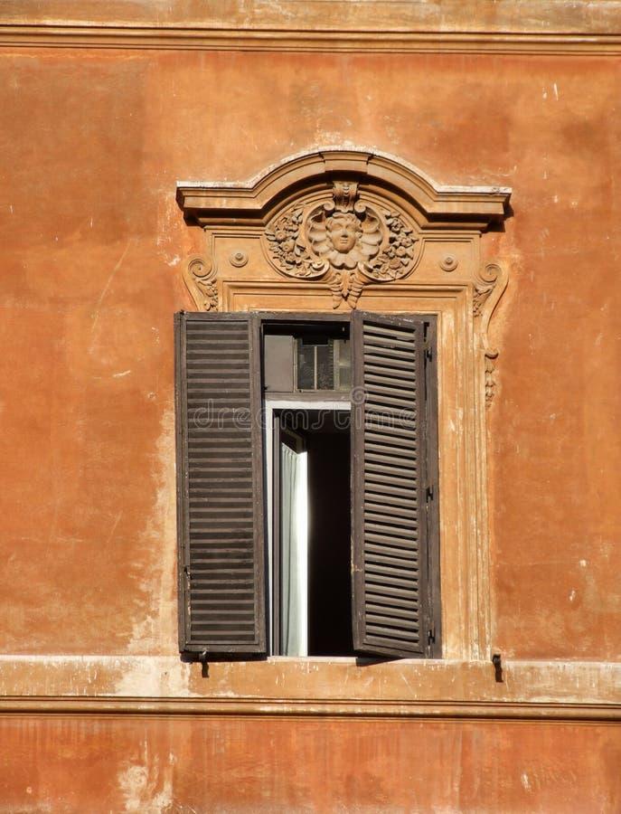 Venster in Rome royalty-vrije stock afbeelding