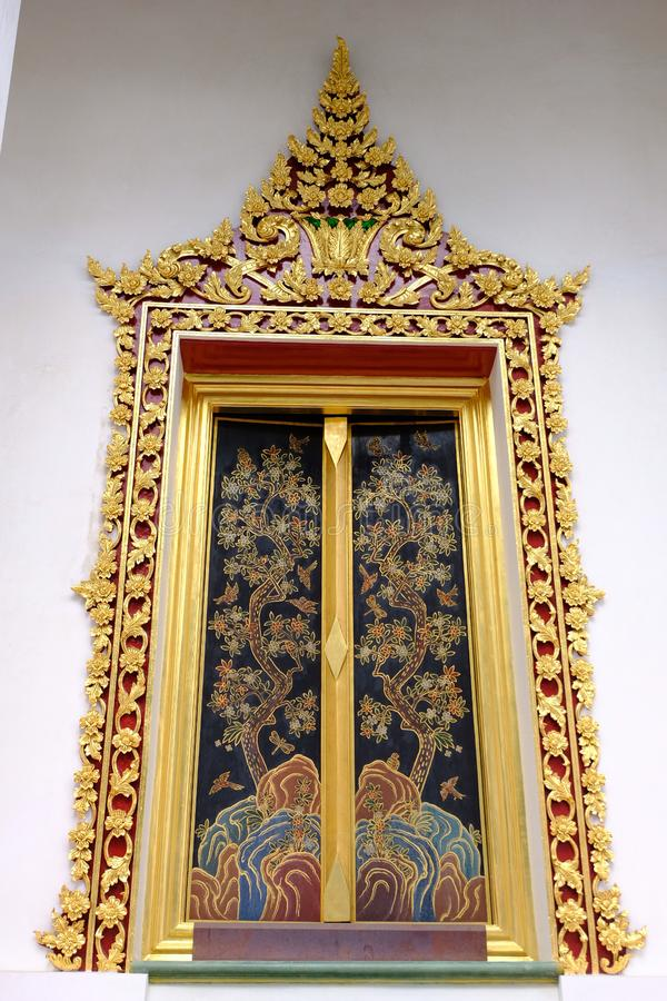 Venster van Thaise Koninklijke Ordeningszaal van Nonthaburi royalty-vrije stock foto