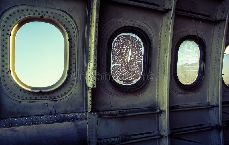Venster van vliegtuigwrak stock afbeelding