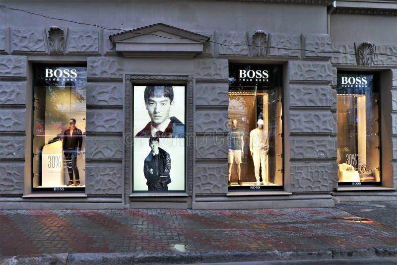 Venstervertoning van een Hugo Boss-opslag van de merkkleding royalty-vrije stock afbeeldingen