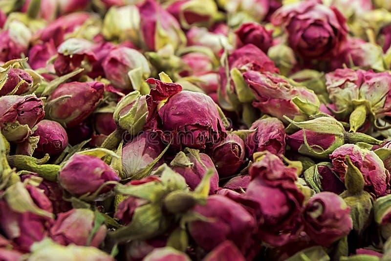 Venta de diversas especias en el mercado en Estambul Variedad de gusto y de aroma imágenes de archivo libres de regalías