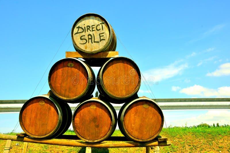 Venta directa del vino en Italia fotos de archivo