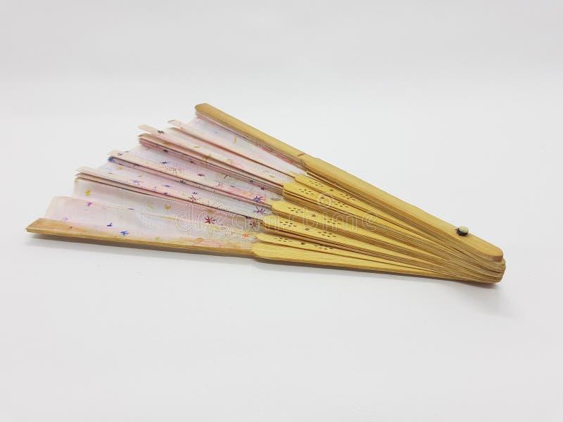 Ventaglio floreale di seta fatto a mano del modello stile d'annata giapponese cinese di seta di bambù di legno del ventaglio di r fotografia stock libera da diritti