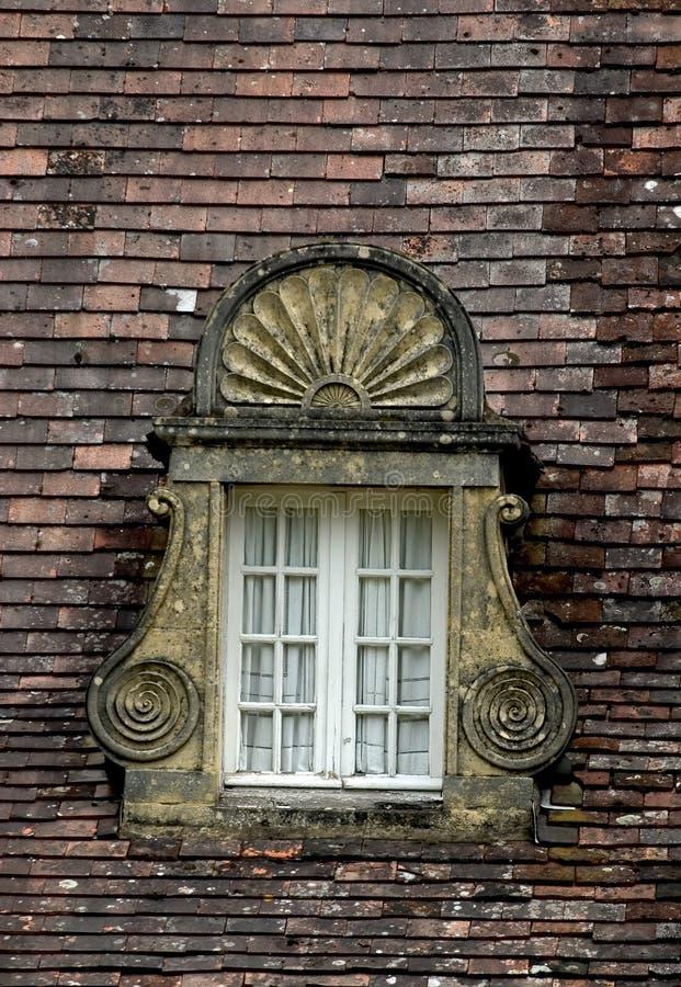 Download Ventana antigua foto de archivo. Imagen de tallado, azotea - 1285392