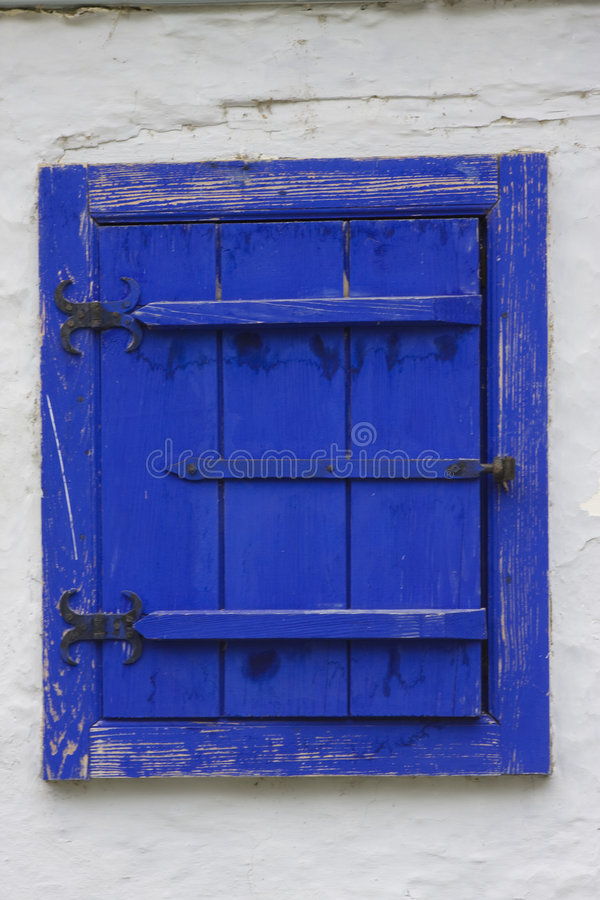 Ventana azul foto de archivo libre de regalías