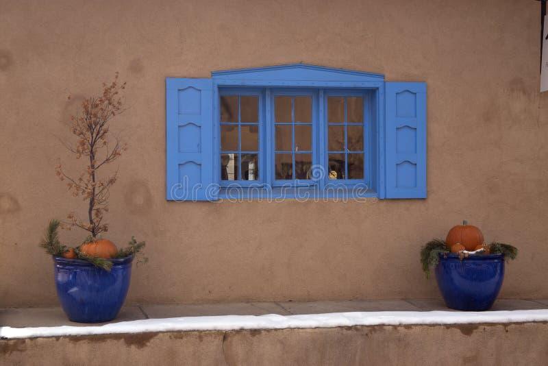 Download Ventana Azul En Sante Fe New Mexico Imagen de archivo - Imagen de camino, ventana: 64201363
