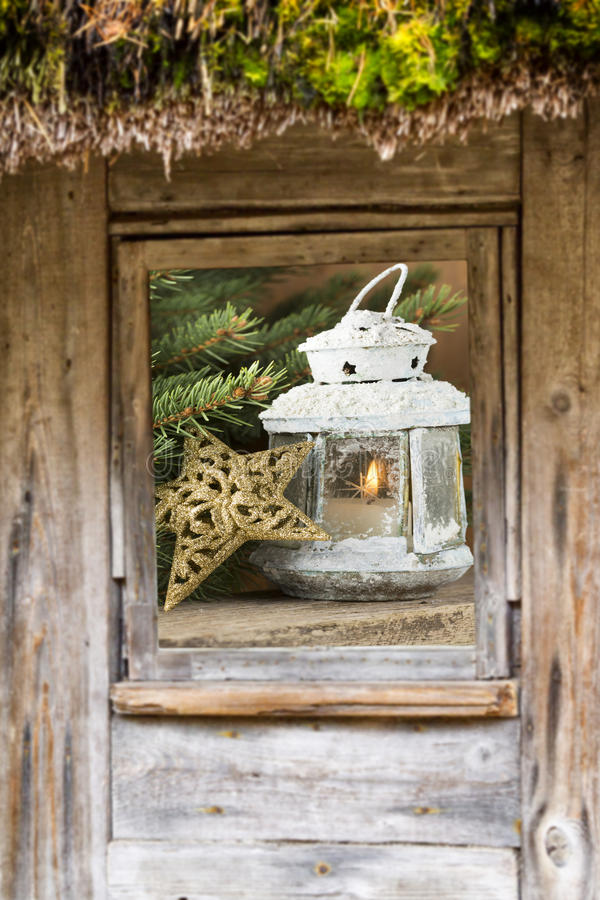 Ventana, composición de la Navidad fuera de la ventana foto de archivo