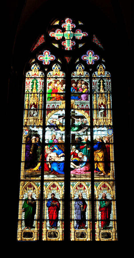 Ventana de cristal manchada, catedral de Colonia imágenes de archivo libres de regalías